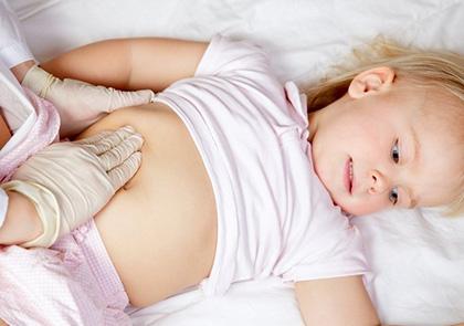 Колики у ребенка: симптомы, причины и способы помочь
