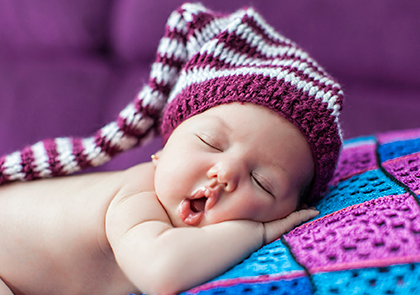 Отчего новорожденный малыш беспокойно спит ночью