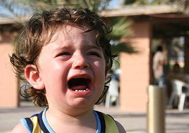 Вредные раздражающие привычки малышей и как их избежать правильно